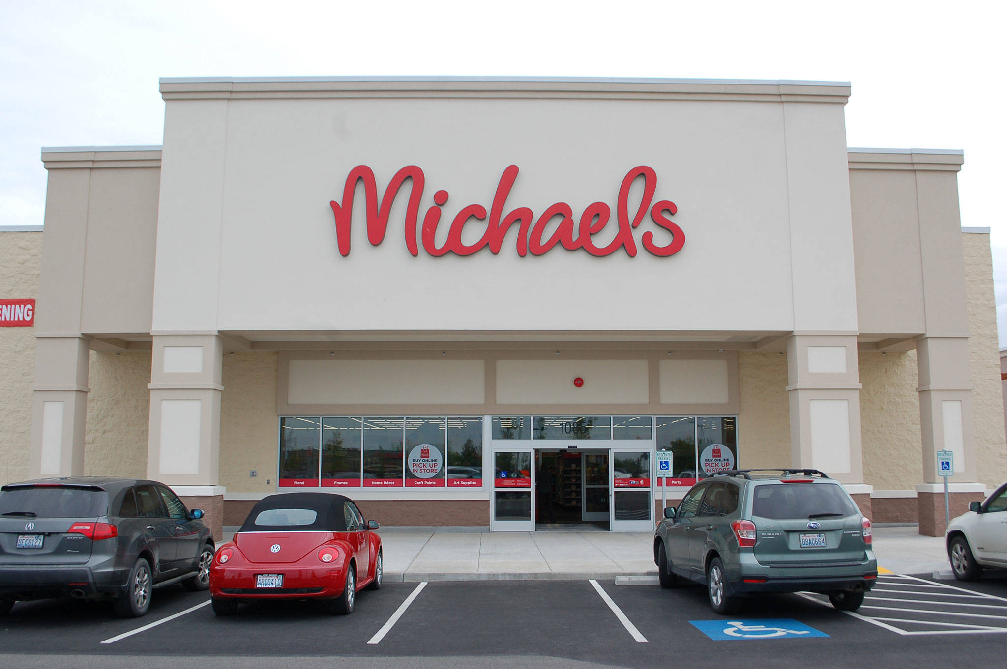 Michaels opens its Sequim store | Sequim Gazette